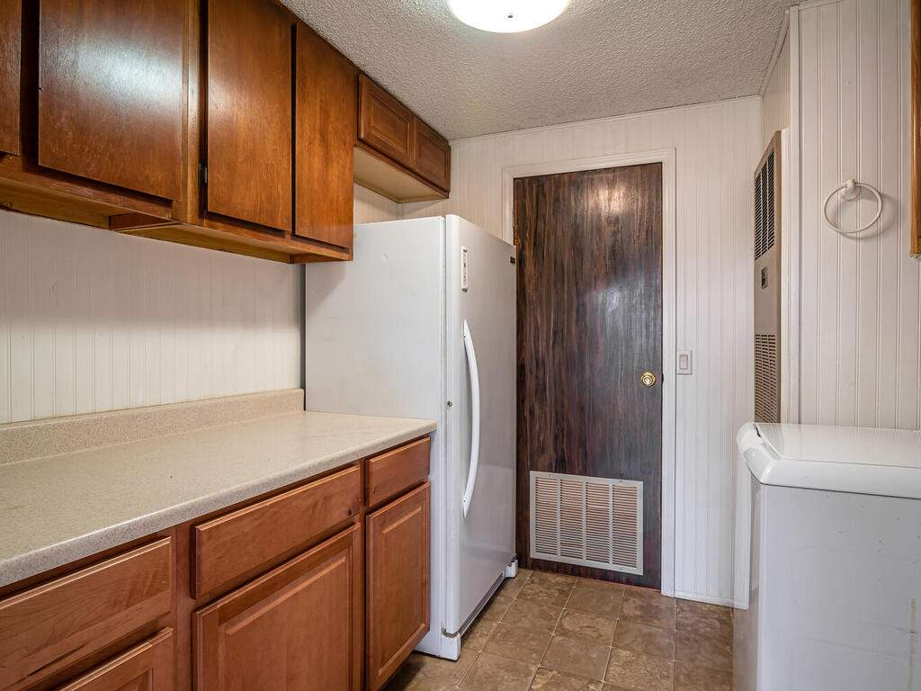 110-Grace-Dr-Paso-Robles-CA-019-024-Laundry-Room-MLS_Size