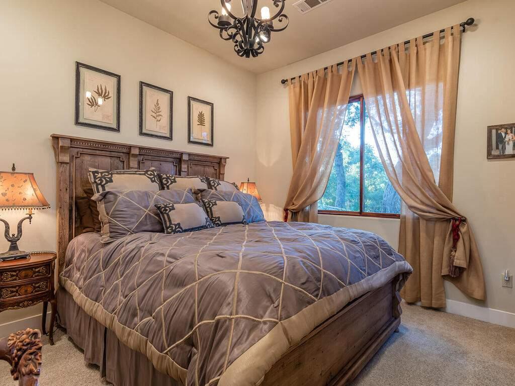 111-Kim-Ct-Templeton-CA-93465-USA-026-024-Bedroom-2-MLS_Size