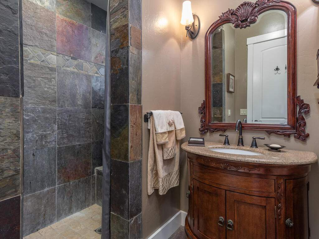 111-Kim-Ct-Templeton-CA-93465-USA-029-025-Bathroom-2-MLS_Size