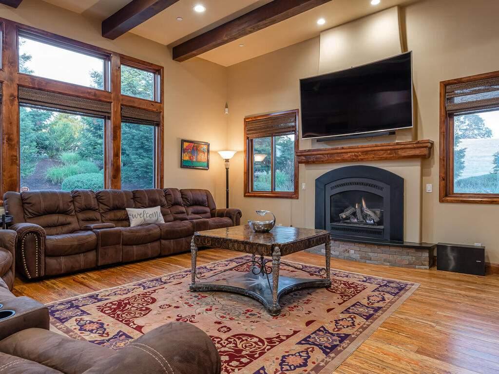1113-Burnt-Rock-Way-Templeton-CA-93465-USA-006-004-Living-Room-MLS_Size