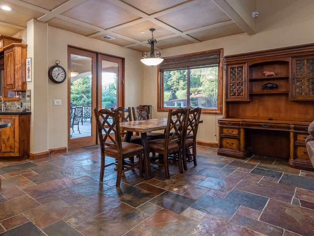1113-Burnt-Rock-Way-Templeton-CA-93465-USA-009-007-Dining-Room-MLS_Size