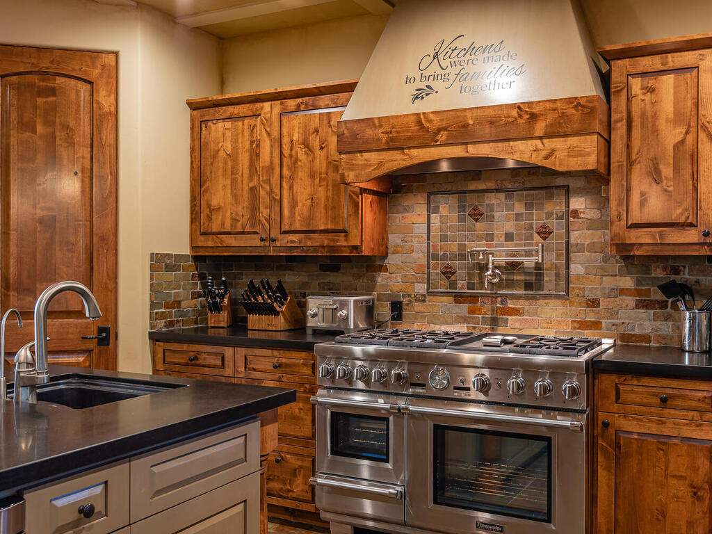 1113-Burnt-Rock-Way-Templeton-CA-93465-USA-012-010-Kitchen-MLS_Size