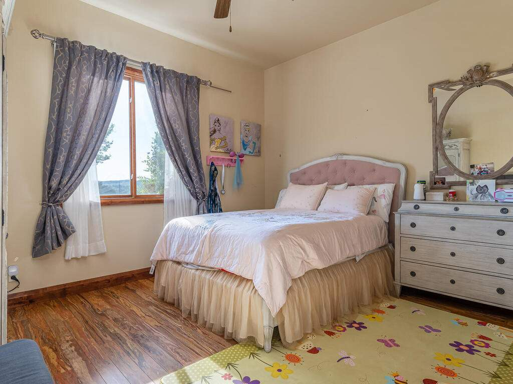 1113-Burnt-Rock-Way-Templeton-CA-93465-USA-021-013-Bedroom-2-MLS_Size
