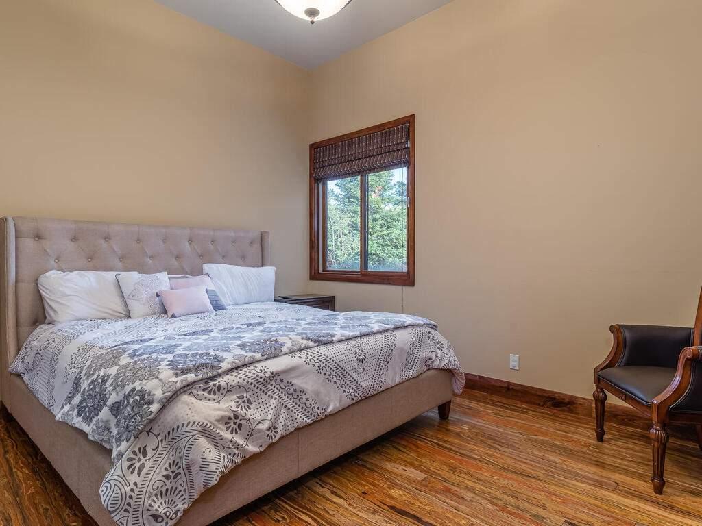 1113-Burnt-Rock-Way-Templeton-CA-93465-USA-023-018-Bedroom-3-MLS_Size