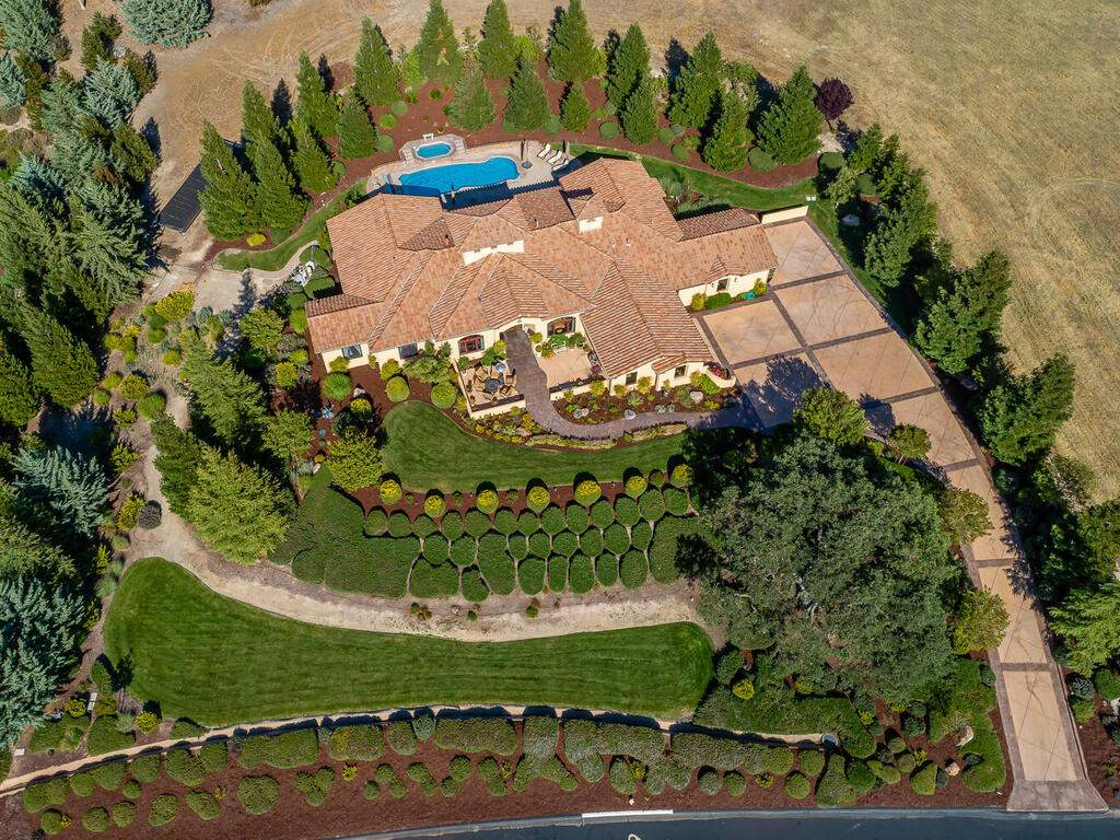1113-Burnt-Rock-Way-Templeton-CA-93465-USA-037-039-Aerial-View-MLS_Size