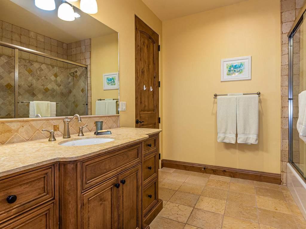 1190-Burnt-Rock-Way-Templeton-039-036-Bathroom-Three-MLS_Size