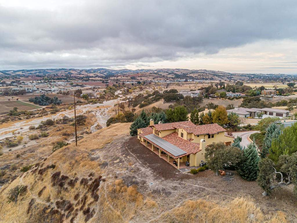 1190-Burnt-Rock-Way-Templeton-045-044-Rear-of-Home-MLS_Size