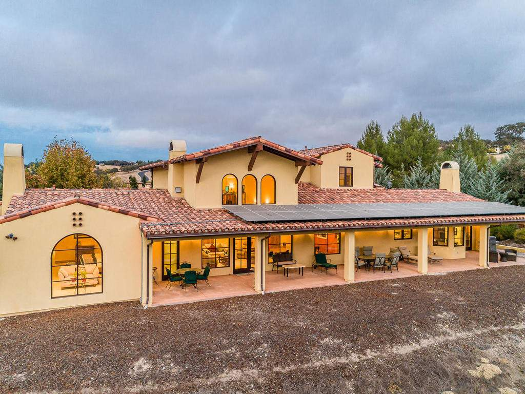 1190-Burnt-Rock-Way-Templeton-047-046-Rear-of-Home-MLS_Size