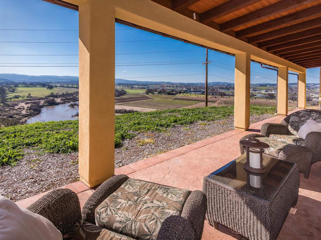 1190-Burnt-Rock-Way-Templeton-052-052-Covered-Patio-MLS_Size