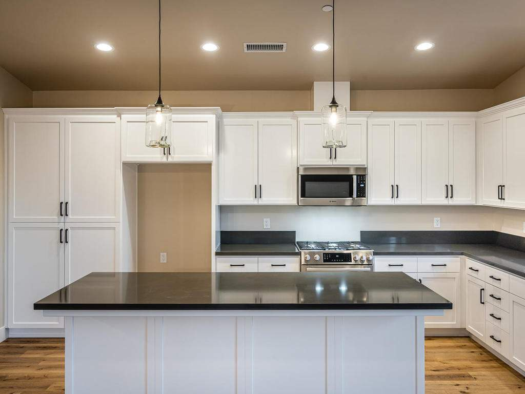 136-Rowan-Way-Templeton-CA-006-005-Kitchen-MLS_Size