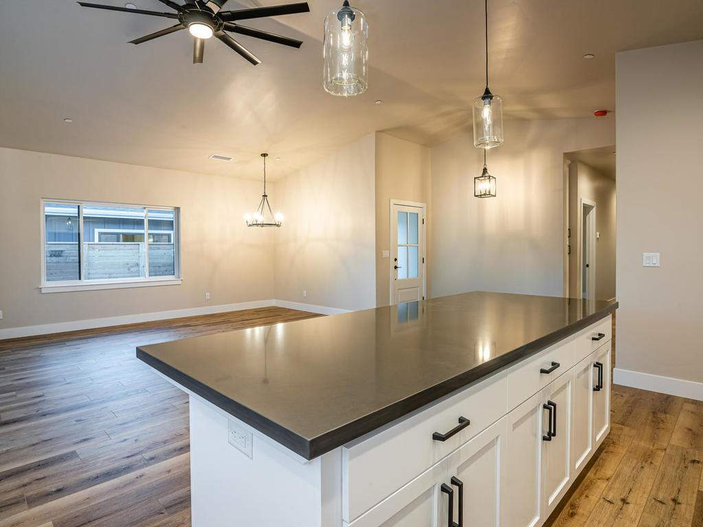 136-Rowan-Way-Templeton-CA-009-007-Kitchen-MLS_Size