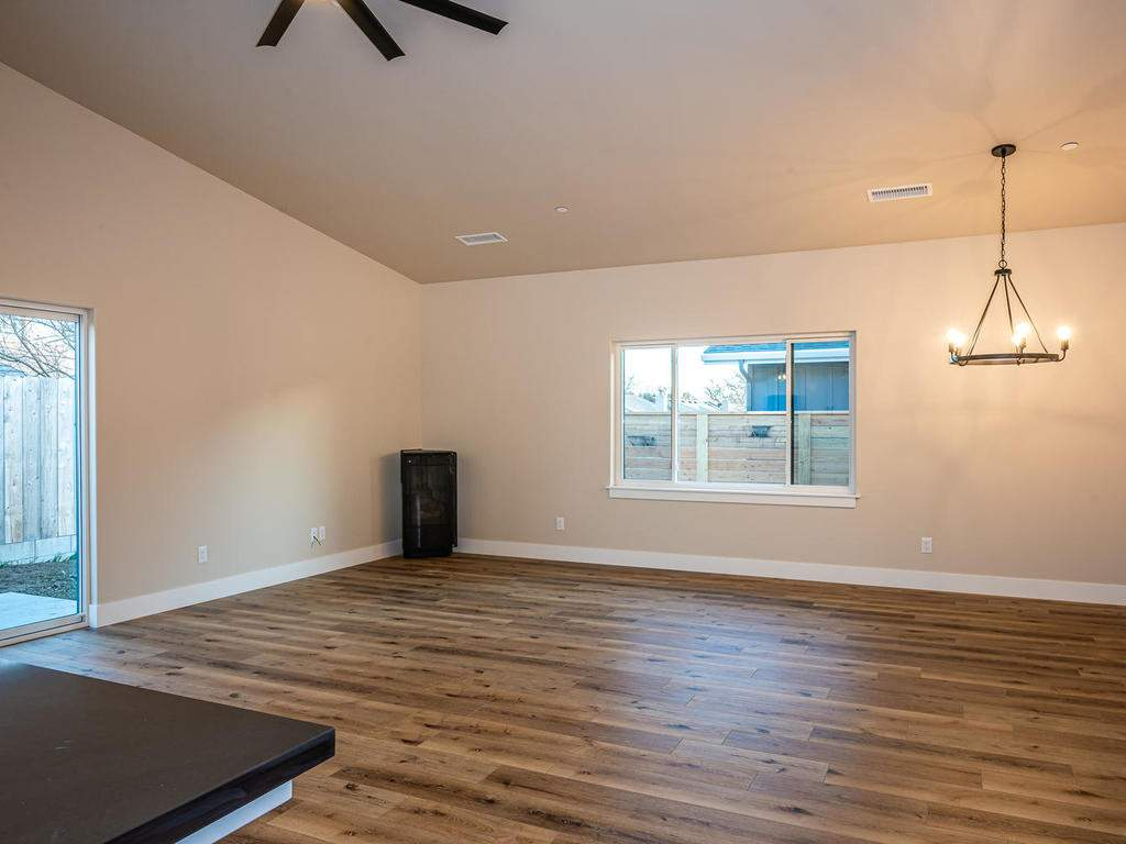 136-Rowan-Way-Templeton-CA-010-009-Living-Room-MLS_Size