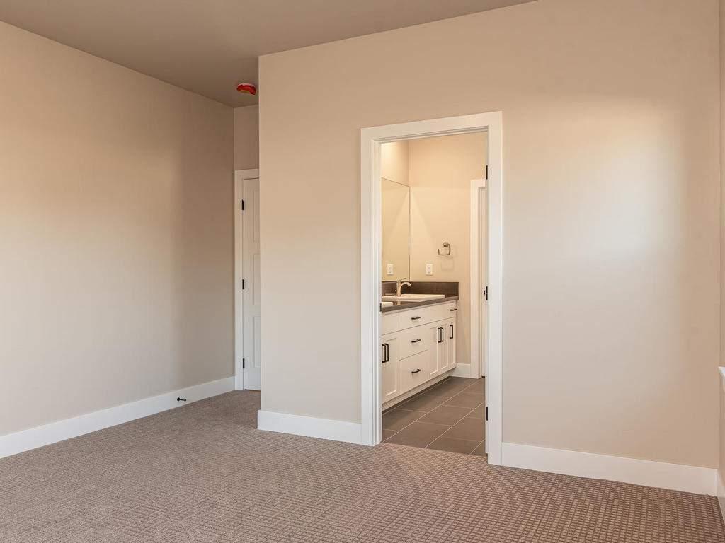 136-Rowan-Way-Templeton-CA-013-011-Master-Suite-MLS_Size