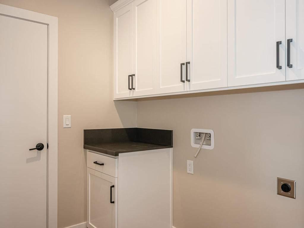 136-Rowan-Way-Templeton-CA-019-012-Laundry-Room-MLS_Size
