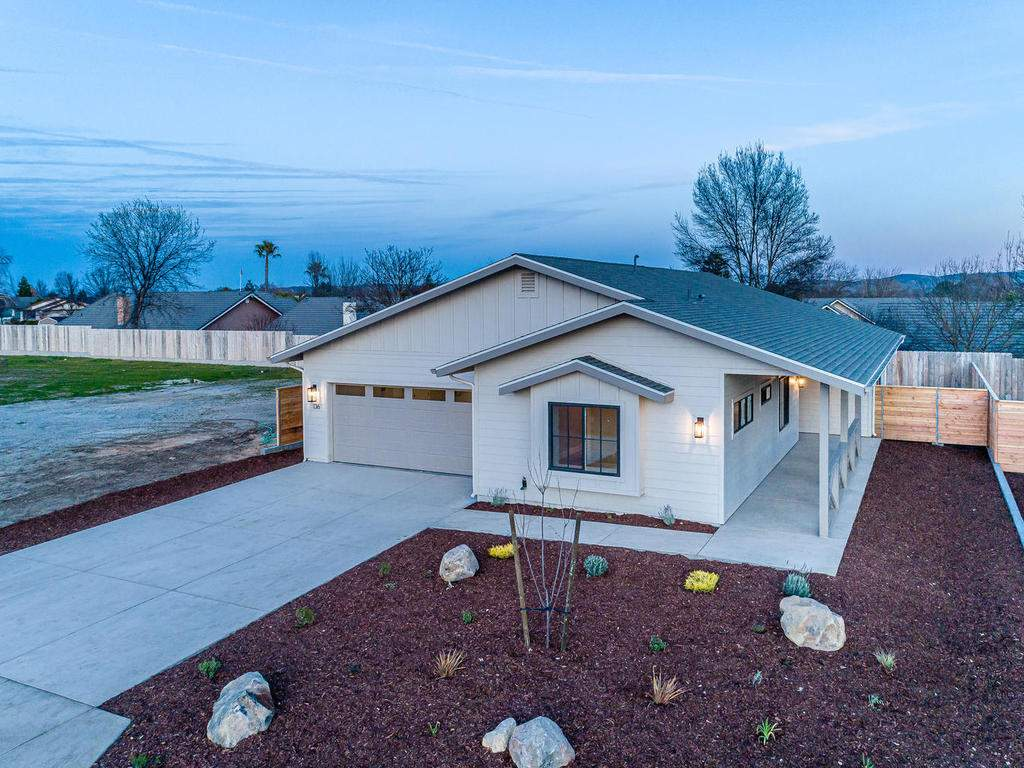 136-Rowan-Way-Templeton-CA-022-023-Front-of-Home-MLS_Size
