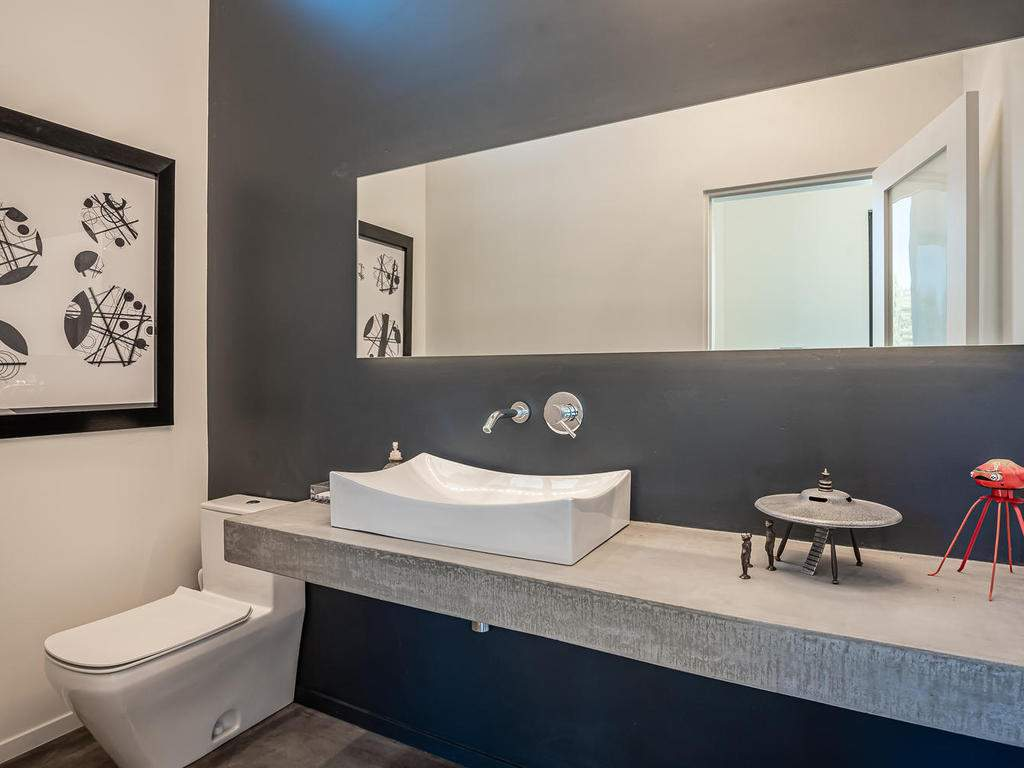 1475-Barley-Grain-Rd-Paso-021-099-Powder-Room-MLS_Size