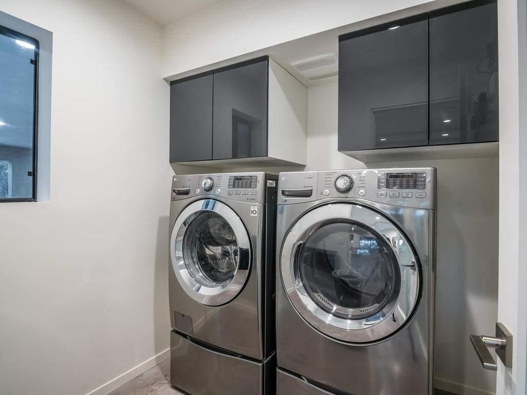 1475-Barley-Grain-Rd-Paso-047-049-Laundry-Room-MLS_Size