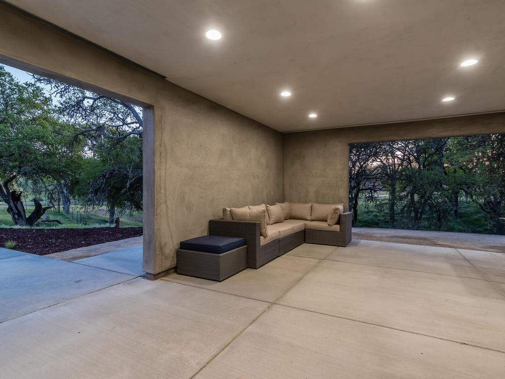 1475-Barley-Grain-Rd-Paso-051-041-Covered-Patio-MLS_Size