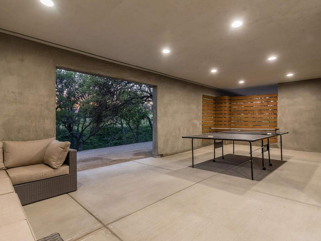 1475-Barley-Grain-Rd-Paso-052-057-Covered-Patio-MLS_Size