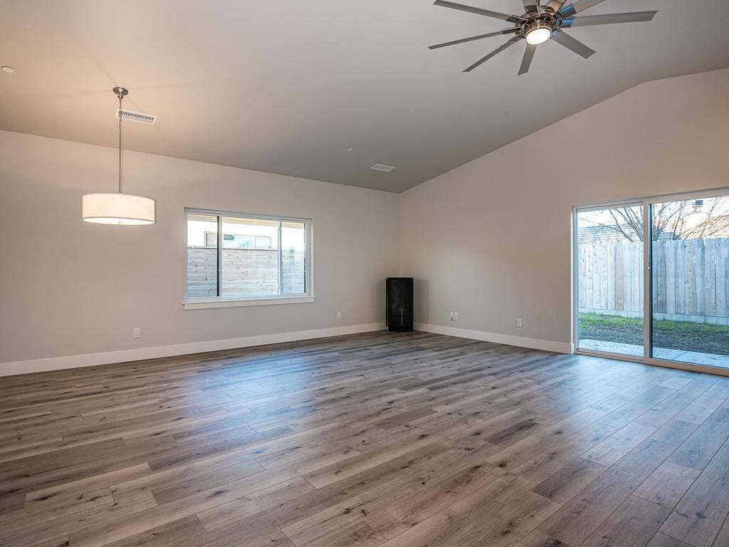 148-Rowan-Way-Templeton-CA-003-001-Living-Room-MLS_Size