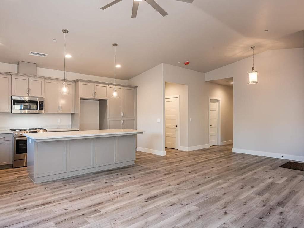 148-Rowan-Way-Templeton-CA-007-004-Living-Room-MLS_Size