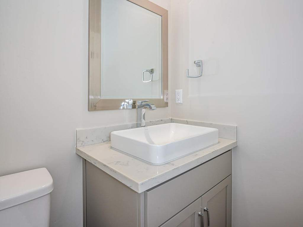 148-Rowan-Way-Templeton-CA-012-011-Powder-Room-MLS_Size