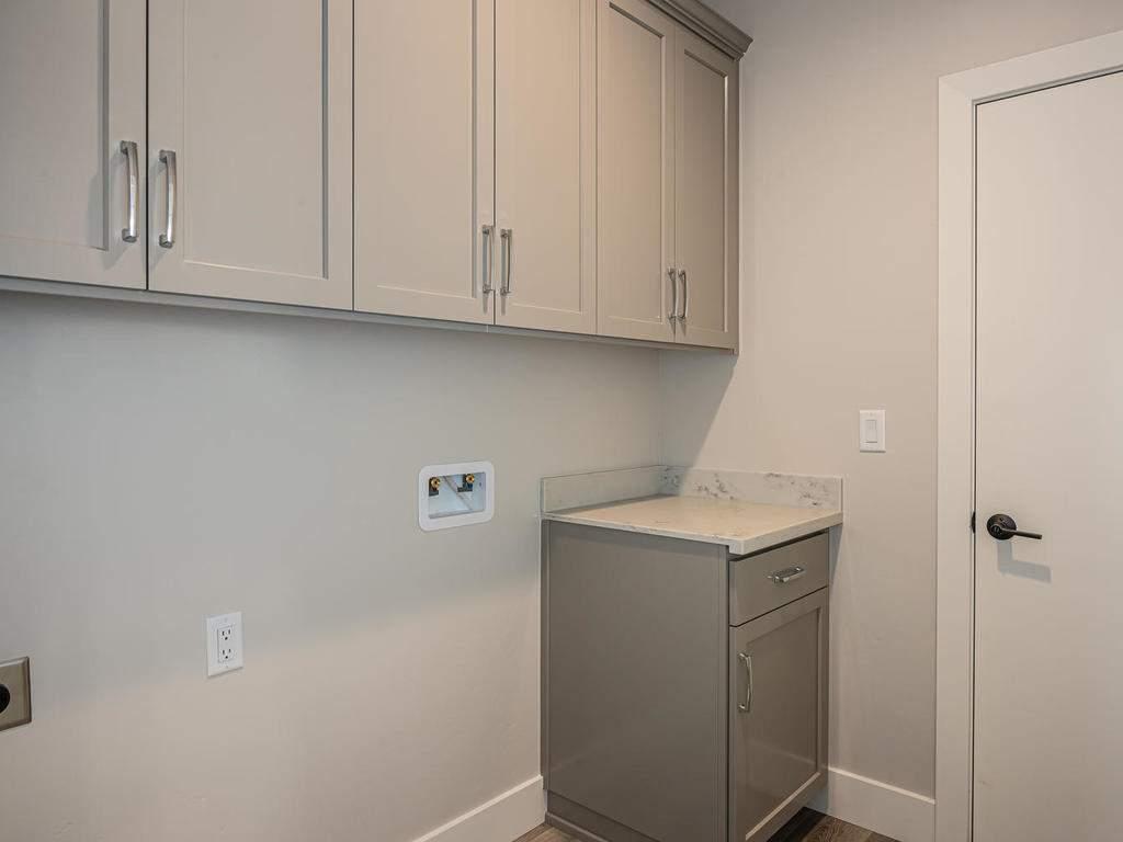 148-Rowan-Way-Templeton-CA-019-014-Laundry-Room-MLS_Size