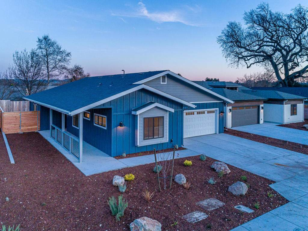 148-Rowan-Way-Templeton-CA-022-022-Front-of-Home-MLS_Size