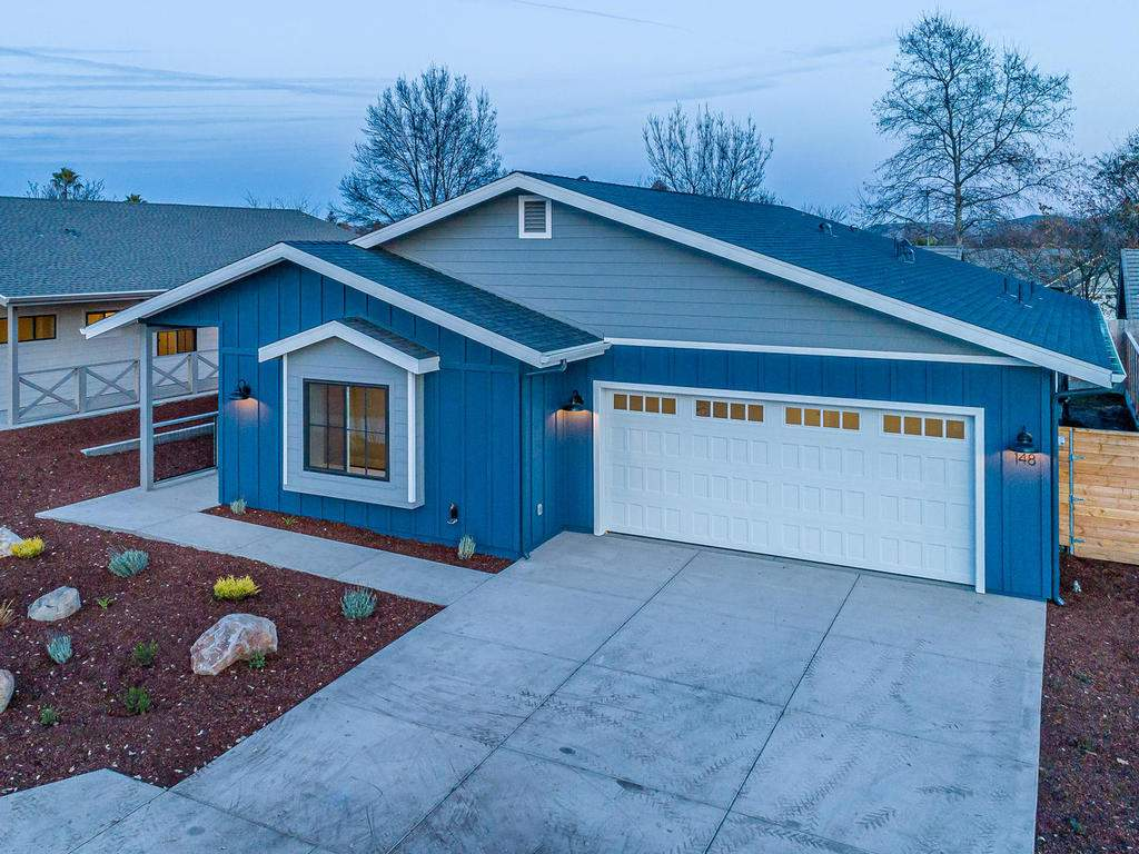 148-Rowan-Way-Templeton-CA-023-023-Front-of-Home-MLS_Size