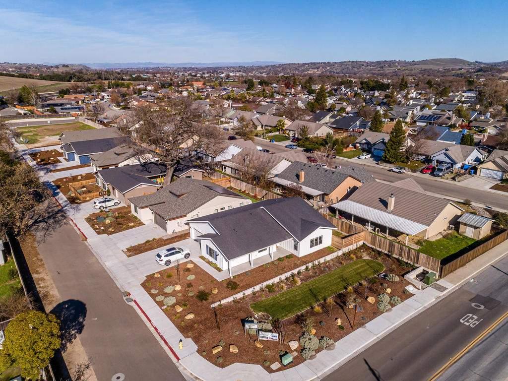 148-Rowan-Way-Templeton-CA-025-025-Aerial-View-of-the-Development-MLS_Size