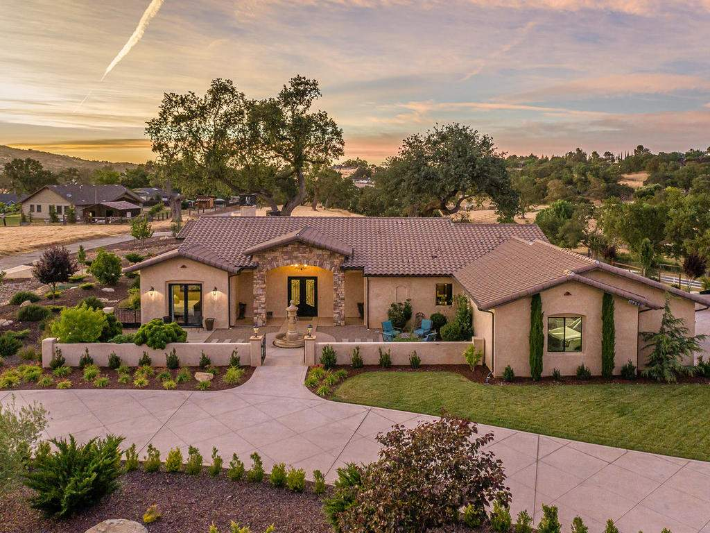 1480-Fire-Rock-Loop-Templeton-002-029-Front-of-Home-MLS_Size