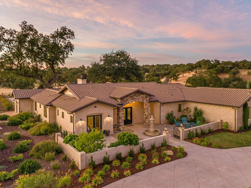 1480-Fire-Rock-Loop-Templeton-003-004-Front-of-Home-MLS_Size