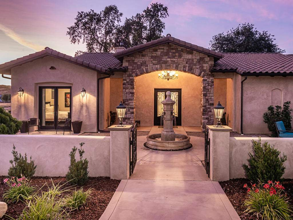 1480-Fire-Rock-Loop-Templeton-005-006-Front-of-Home-MLS_Size
