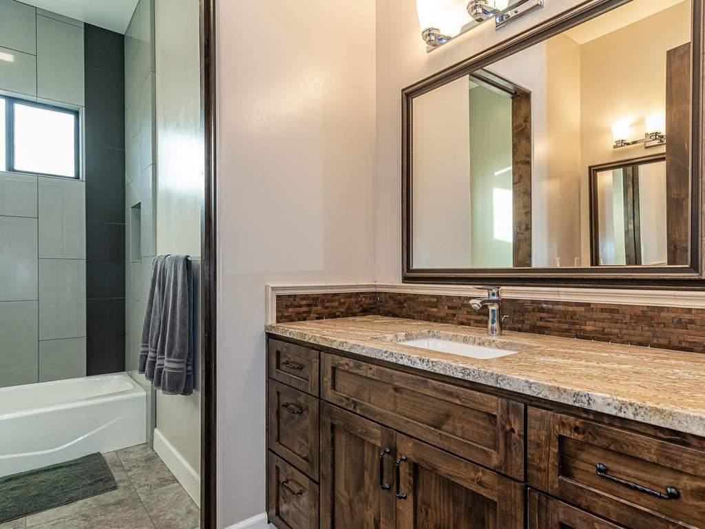 1480-Fire-Rock-Loop-Templeton-037-036-Bathroom-Four-MLS_Size