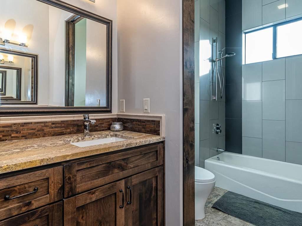 1480-Fire-Rock-Loop-Templeton-038-035-Bathroom-Four-MLS_Size