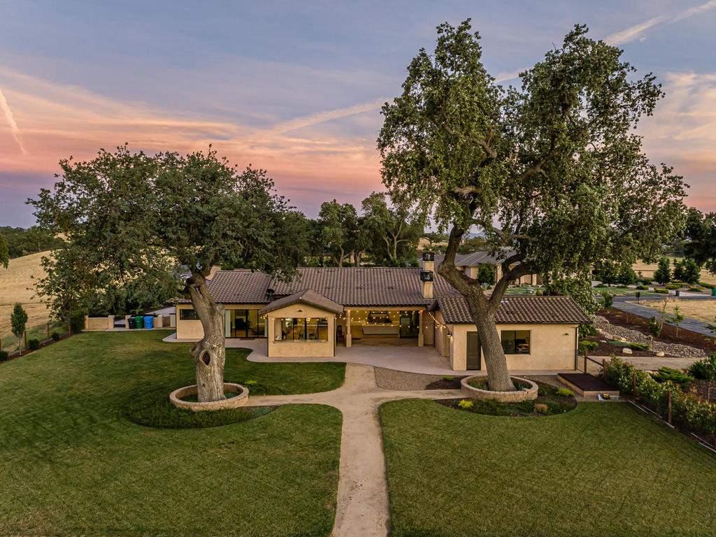 1480-Fire-Rock-Loop-Templeton-041-037-Rear-of-Home-MLS_Size