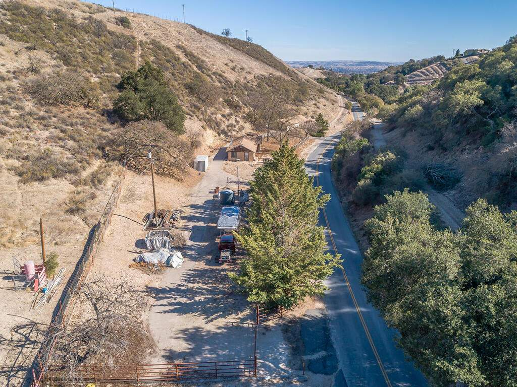 1530-Peachy-Canyon-Rd-Paso-008-005-Aerial-View-MLS_Size