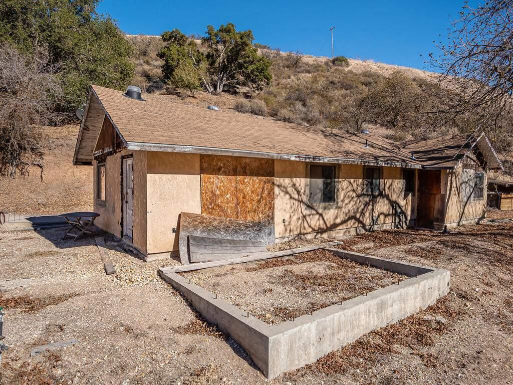 1530-Peachy-Canyon-Rd-Paso-009-008-Side-Yard-MLS_Size