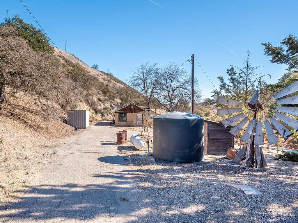 1530-Peachy-Canyon-Rd-Paso-016-022-WaterGas-Tank-MLS_Size