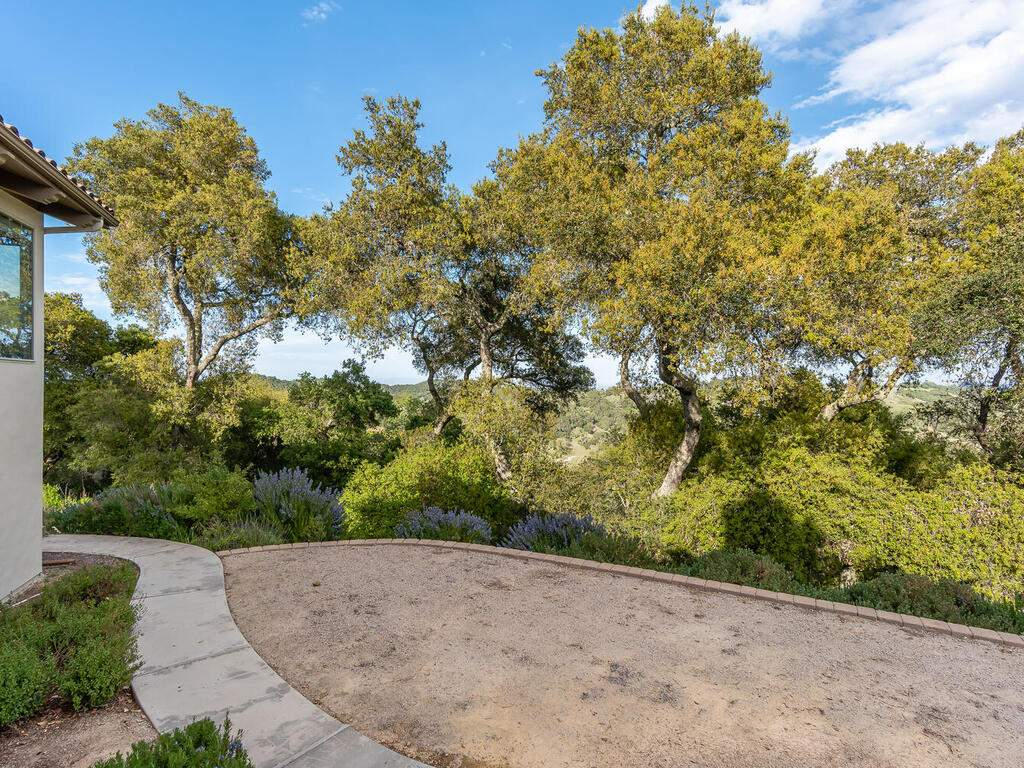 1550-Post-Canyon-Dr-Templeton-CA-93465-USA-012-015-Living-Room-Balcony-View-MLS_Size