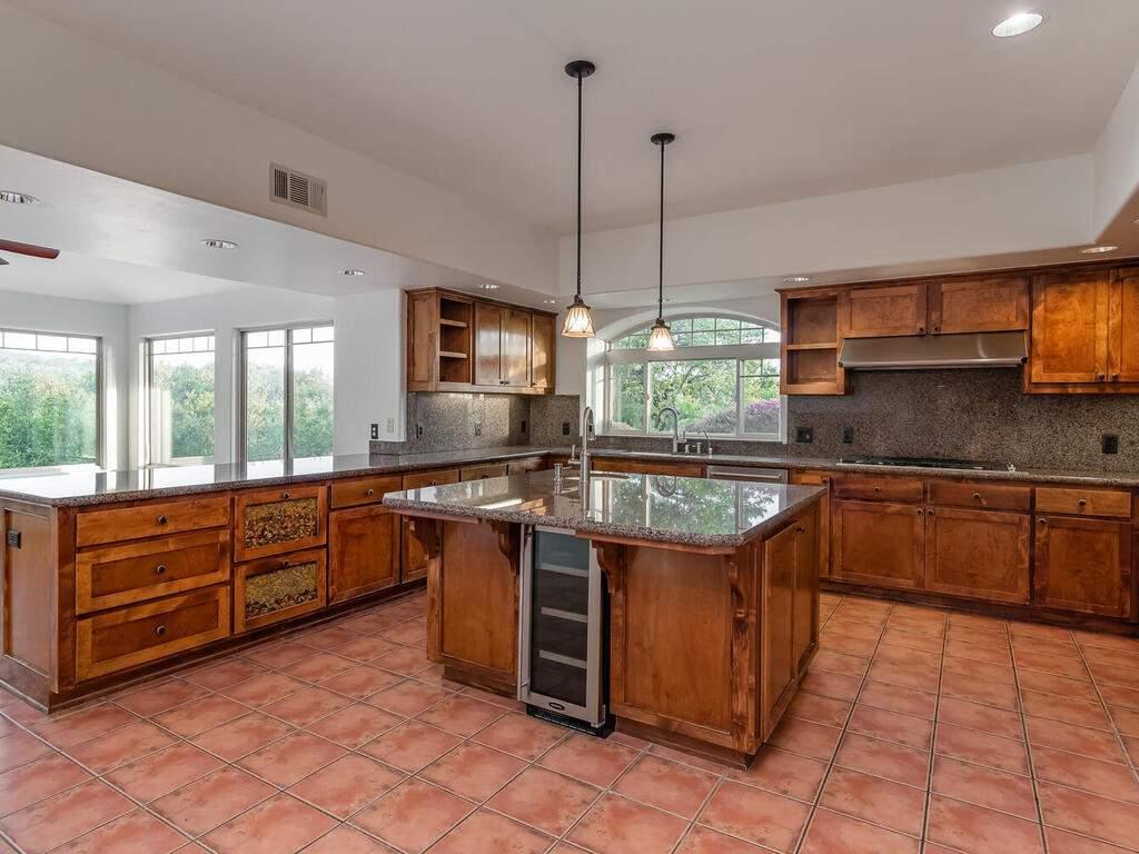 1550-Post-Canyon-Dr-Templeton-CA-93465-USA-016-016-Kitchen-MLS_Size