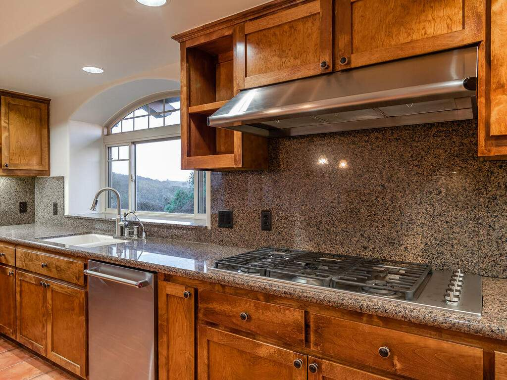 1550-Post-Canyon-Dr-Templeton-CA-93465-USA-018-018-Kitchen-MLS_Size
