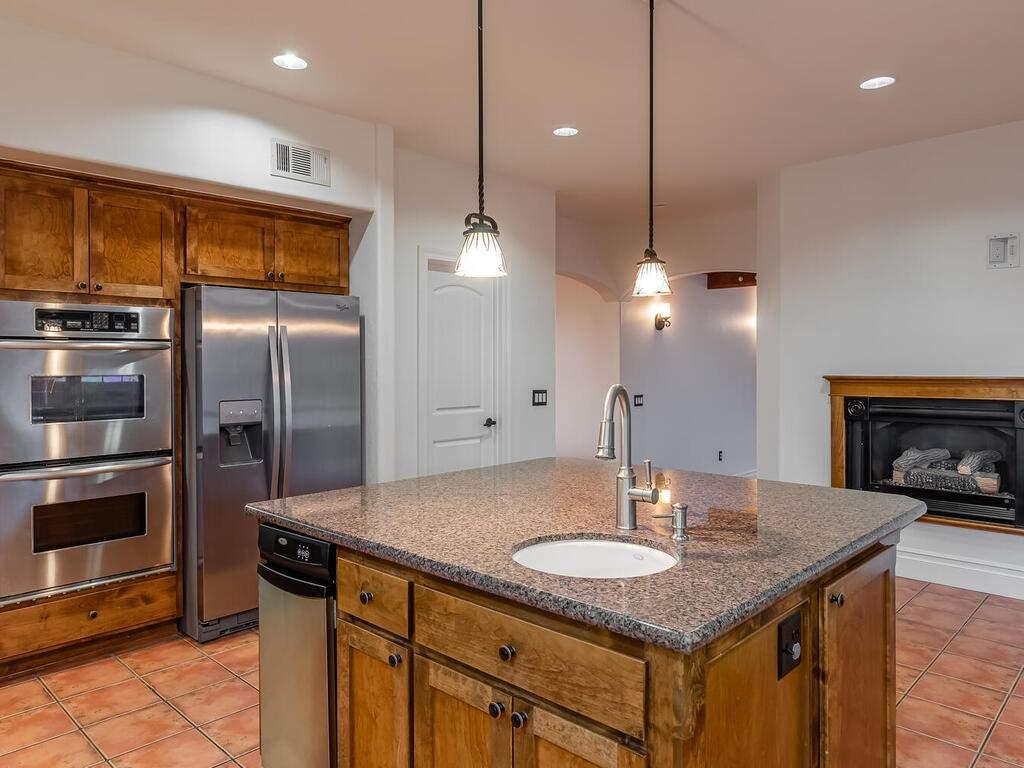 1550-Post-Canyon-Dr-Templeton-CA-93465-USA-019-017-Kitchen-MLS_Size