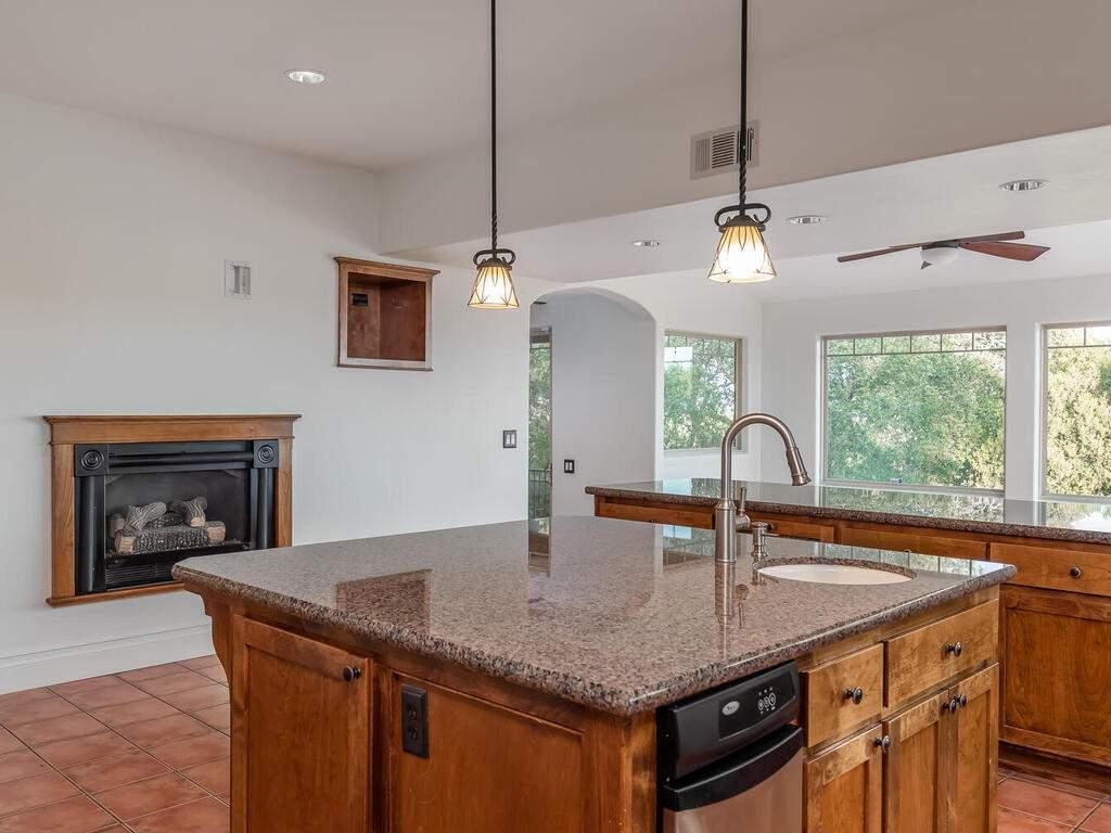 1550-Post-Canyon-Dr-Templeton-CA-93465-USA-020-019-Kitchen-MLS_Size