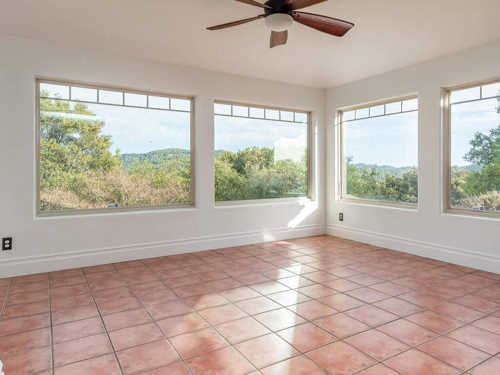 1550-Post-Canyon-Dr-Templeton-CA-93465-USA-022-021-Dining-Room-MLS_Size