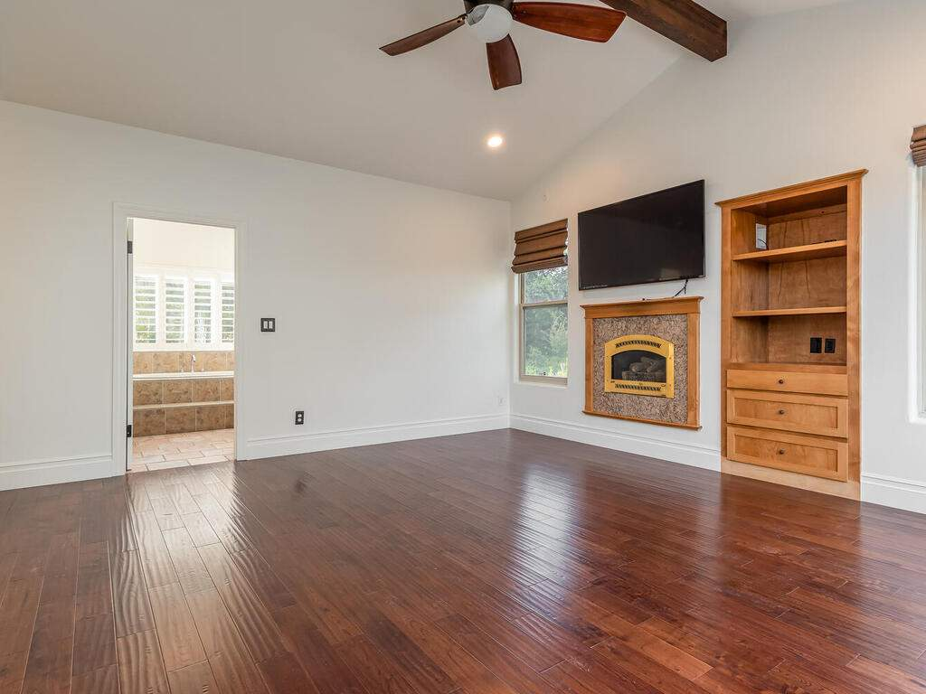 1550-Post-Canyon-Dr-Templeton-CA-93465-USA-027-025-Master-Suite-MLS_Size
