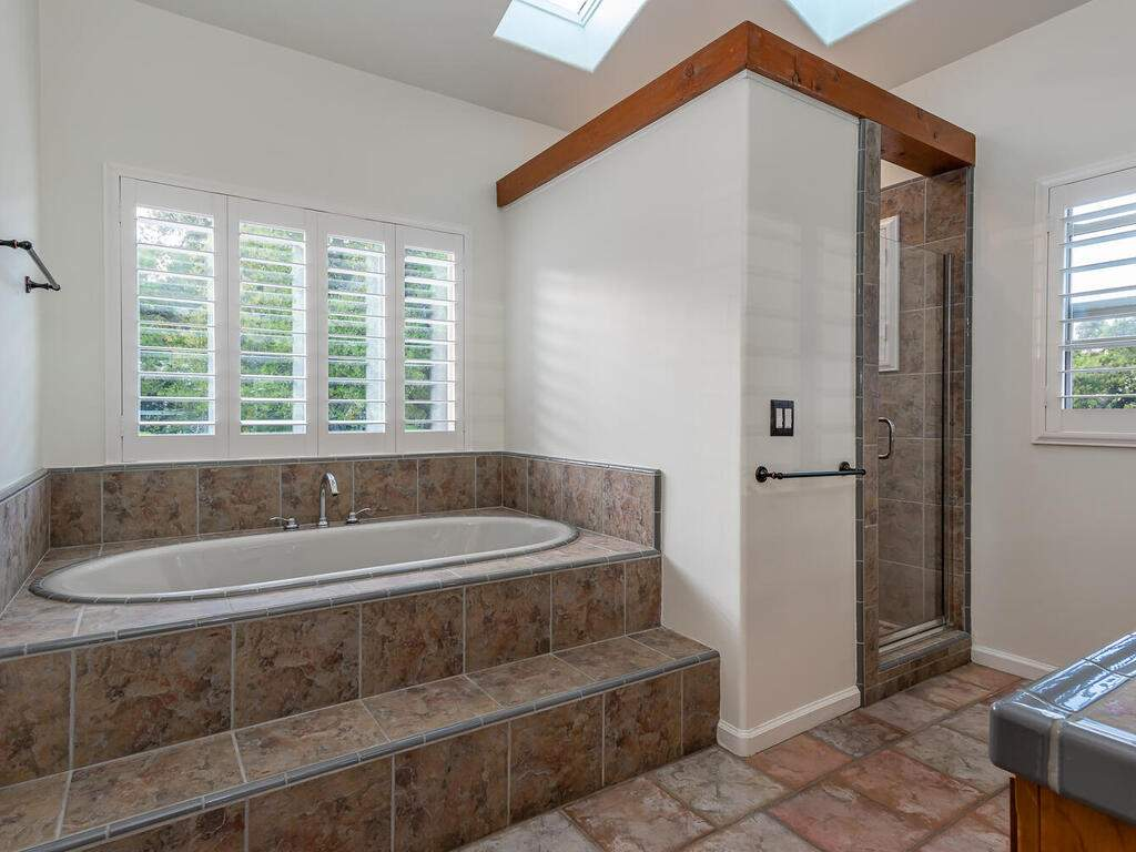 1550-Post-Canyon-Dr-Templeton-CA-93465-USA-029-026-Master-Suite-MLS_Size