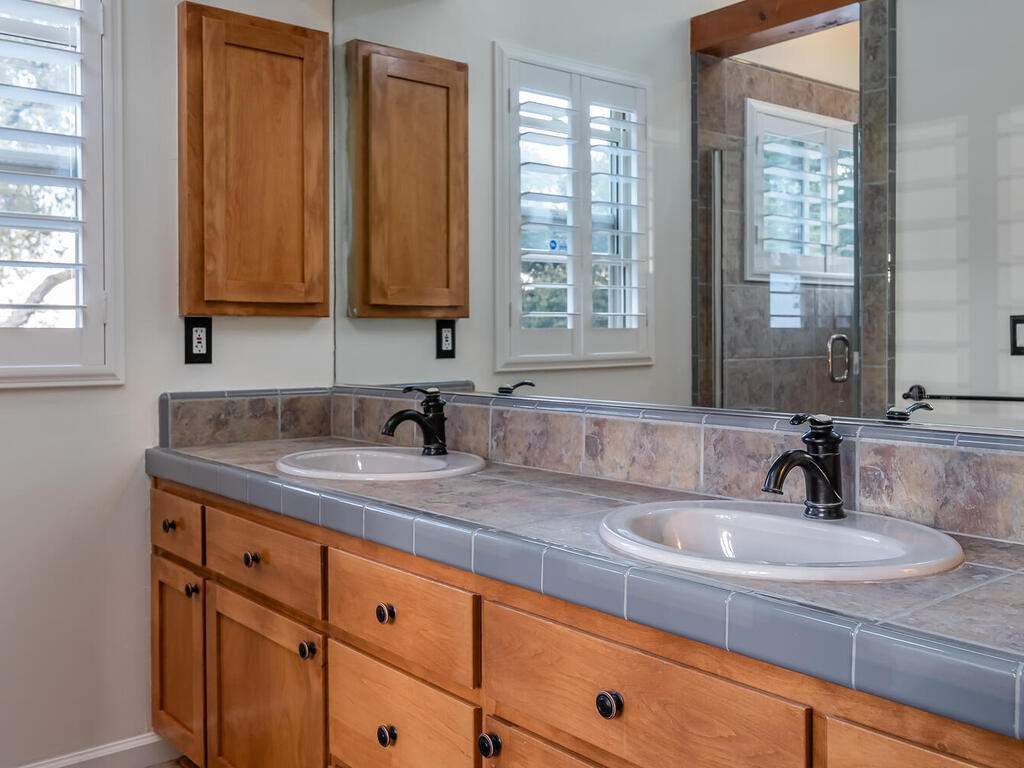 1550-Post-Canyon-Dr-Templeton-CA-93465-USA-030-028-Master-Suite-MLS_Size