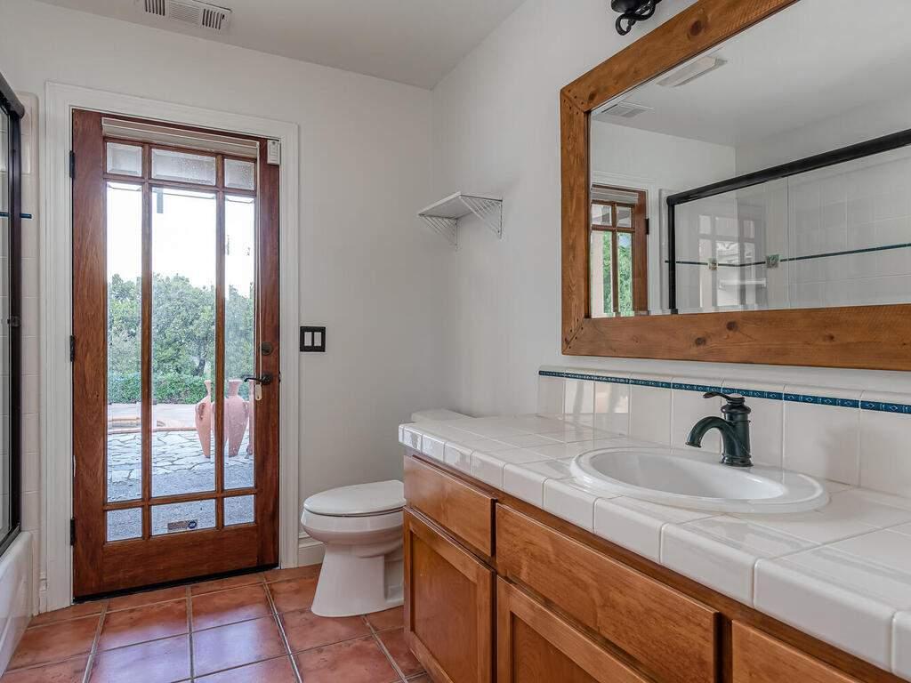 1550-Post-Canyon-Dr-Templeton-CA-93465-USA-033-036-Bathroom-2-MLS_Size