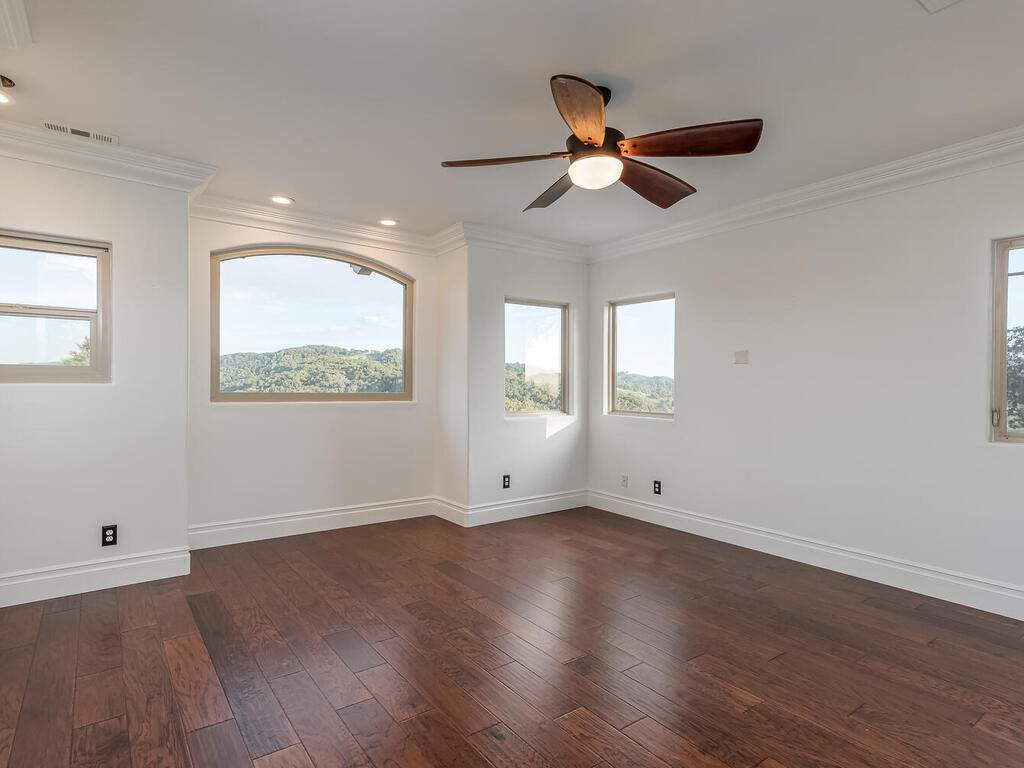 1550-Post-Canyon-Dr-Templeton-CA-93465-USA-034-029-Bedroom-4-MLS_Size